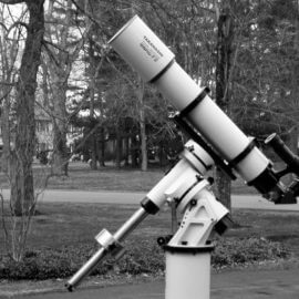 What is an equatorial mount and how does it work?